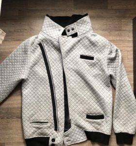 Продаю мужскую легкую куртку