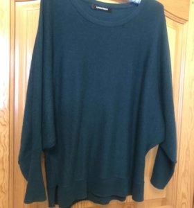 Женский свитер. Размер 48. Изумрудный цвет