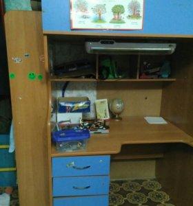 Стол+шкаф+кровать!