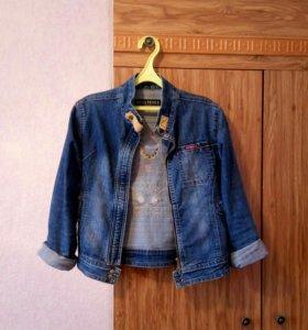 Куртка джинсовая, женская.