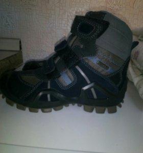 Ботиночки на мальчика,новые,фирма GEOX,29 размер