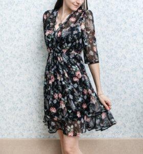Новое платье XS шифоновое цветочное чёрное