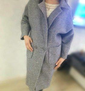 Пальто стильное и новое