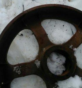 Переднее направляющие колесо ДТ 75