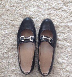 кожанные туфли фирмы Юничел