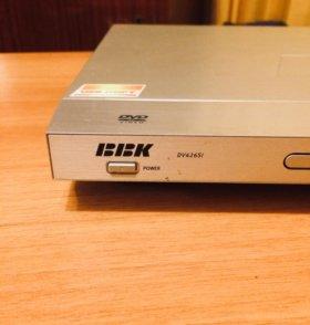 DVD-плеер BBK DV426SI (+караоке)