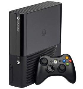 Xbox 360E + 3 игры