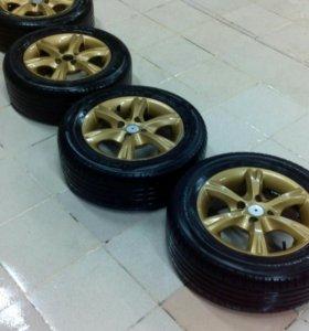 Комплект колёс Nokian 185/65 R14