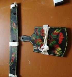 Декоративная доска и вешалка