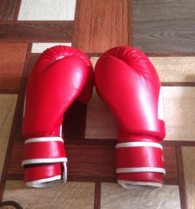 Продам перчатки для бокса и тайского бокса