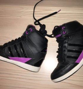 Сникерсы Adidas, оригинал