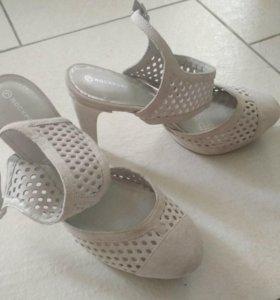 Открытые туфли