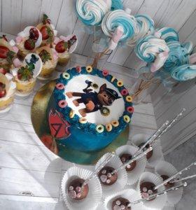 Тортики и прочие сладости.