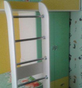 Кровать двух-ярусная со встроенным шкафом