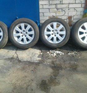 Комплект колёс с toyota camry 215 60 R15