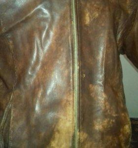 Кожаная куртка . Мужская.