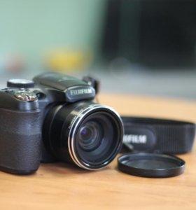 Фотоаппарта FujiFilm FinePix S2500HD