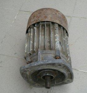 Эл.мотор 3.2килловат