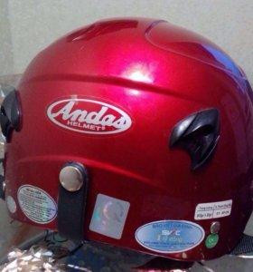 Шлем для скутера.