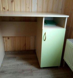 Набор мебели(шкаф,стол кровать)