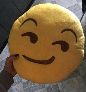 Новая подушка смайлик 😏