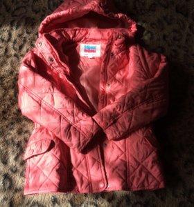 Курточка на девочку 6-7 лет.