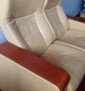 Кресло двойное кожаное