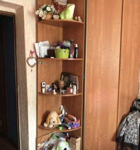 Угловой шкаф и уголок