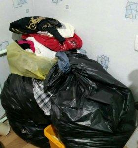 Много одежды 40-44