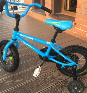 Велосипед 4х- колесный детский