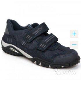 Новые кроссовки Super Fit для мальчика.