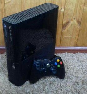 Xbox 360 e + 11 игр