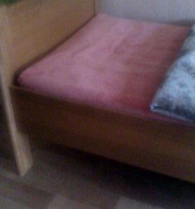 Кровать с матрасом 90*200