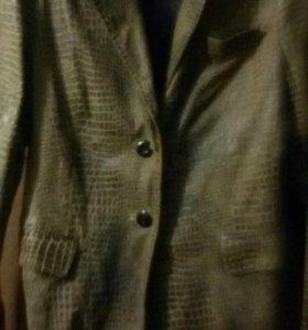 Пиджак из питона