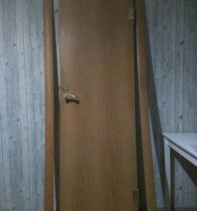 Дверь с наличниками