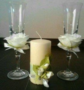 Свадебные аксессуары, фужеры, свечи, бутоньерки.