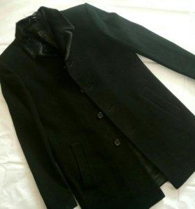 Мужское каш. Пальто с натуральным мехом.