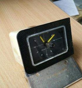 Часы для авто и не только