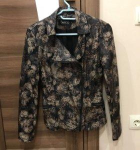 Куртка новая.