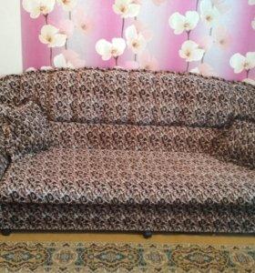 Продам мягкую мебель: диван и два кресла