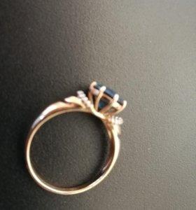 Кольцо золотое с топазом (Лондон блю)