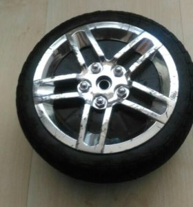 Продам колесо каучковое для lexsus trik