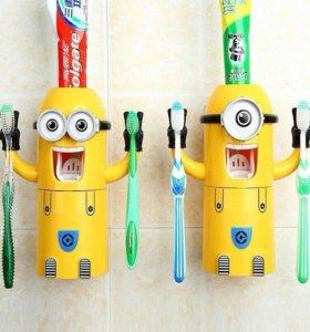 Дозатор для зубных паст