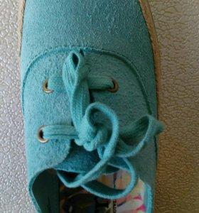 Ботинки новые Born, размер 38,5