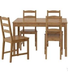 Продам стол и три стула... В нормальном состоянии.