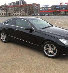 Mercedes E350 c207