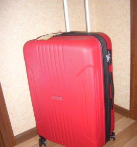 Продам новый чемодан American Tourister