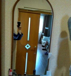 Зеркало и вешалка