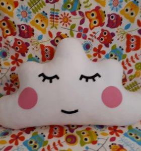 Подушка декоративная Облачко из фетра.