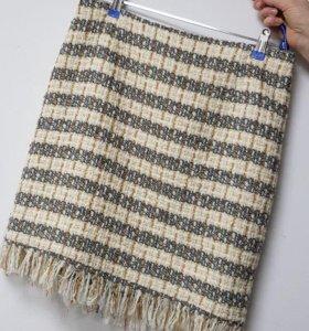 Продаю юбку из твидовой ткани